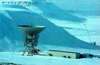32-metrová parabola EISCAT radaru na Špicbergoch